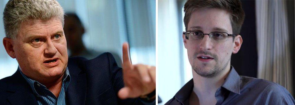 Pai de Snowden pede que ele fique na Rússia