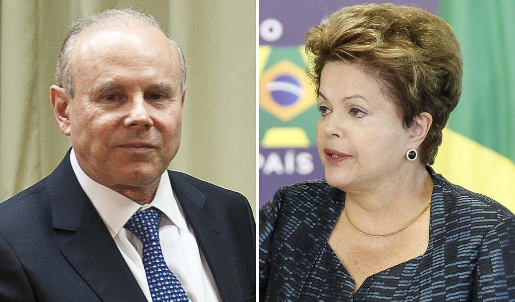 Dilma recebe Mantega no Palácio da Alvorada