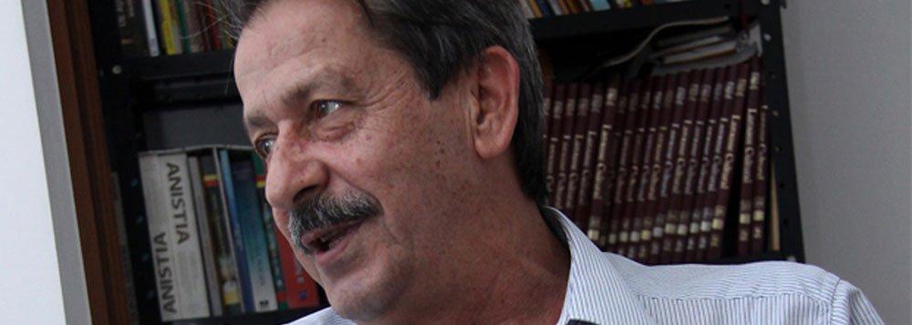 Presidente do PSDB exuma cadáveres do PMDB