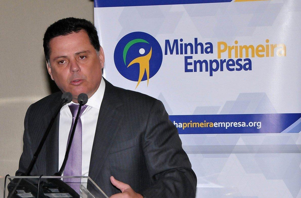 "Perillo recebe números do Ibope com ""naturalidade"""