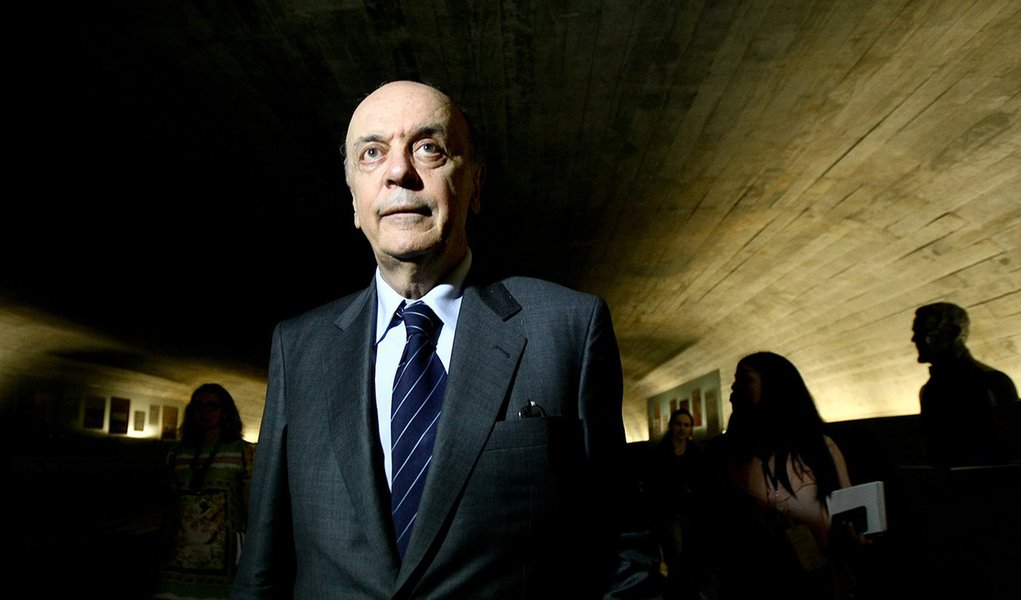 Serra constrange PSDB em visita ao Congresso