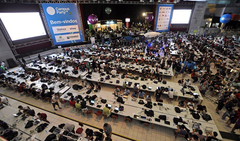 Todos os geeks plugados na Campus Party Recife