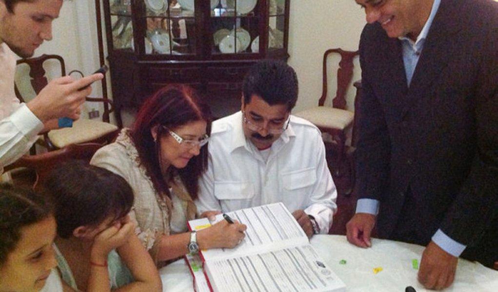Maduro se casa em cerimônia privada na Venezuela