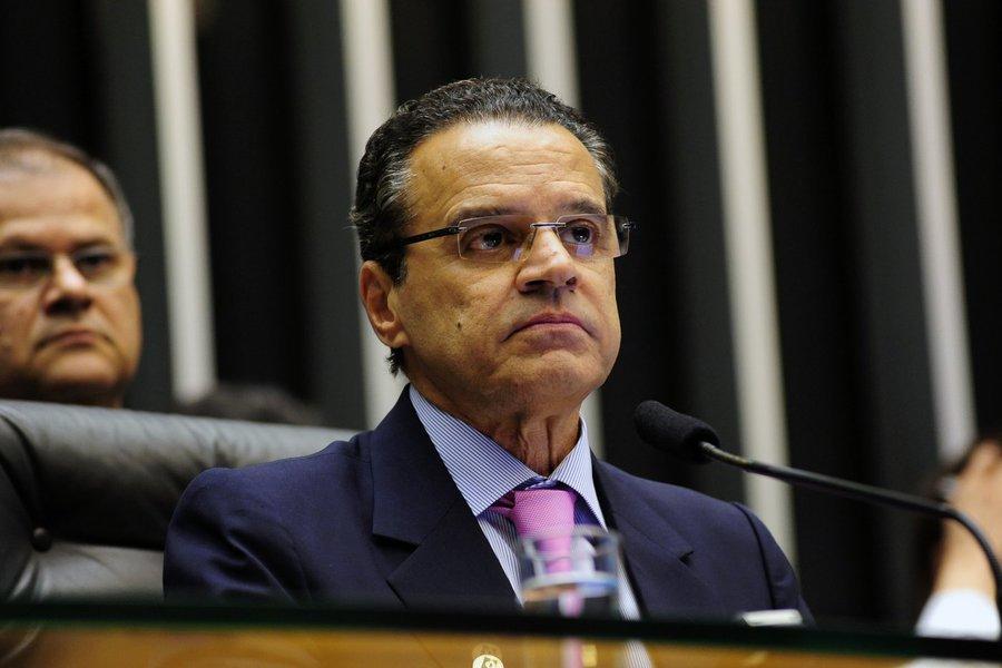 PMDB defenderá fim da reeleição, diz Alves