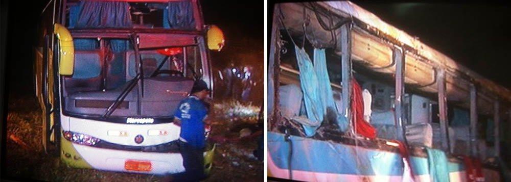 Dez morrem em acidente de ônibus em MG