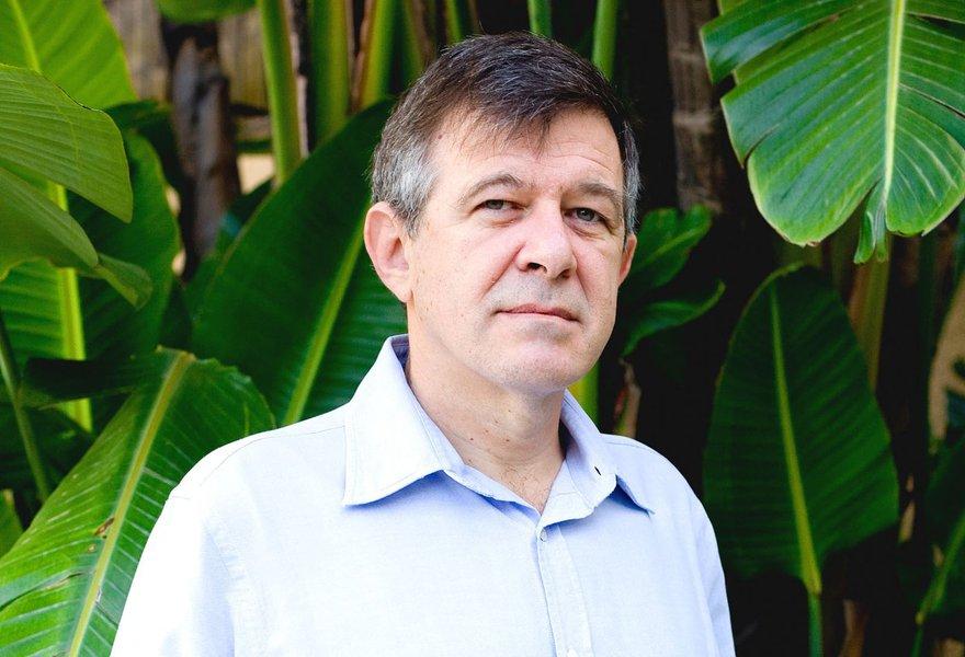 Reinach: 'Governo criou o meio médico, meio escravo'