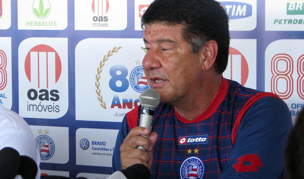 Joel Santana deve ser anunciado novo treinador do Flamengo