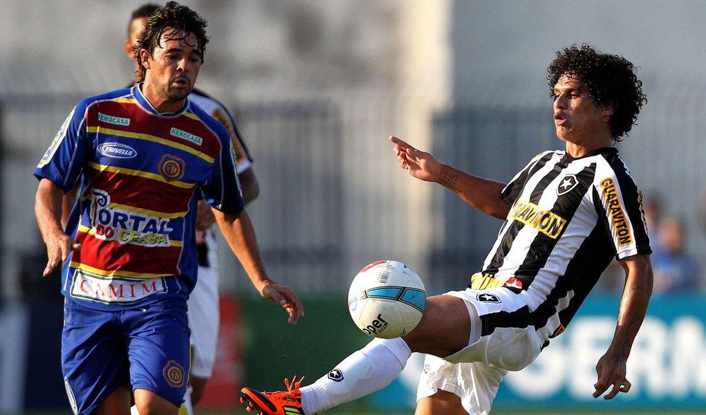 Botafogo vacila no fim e fica no empate com Madureira