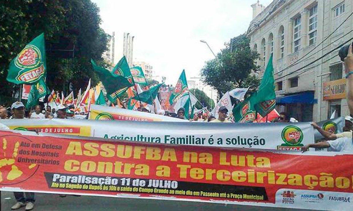 Dia de Lutas interdita centro de Salvador