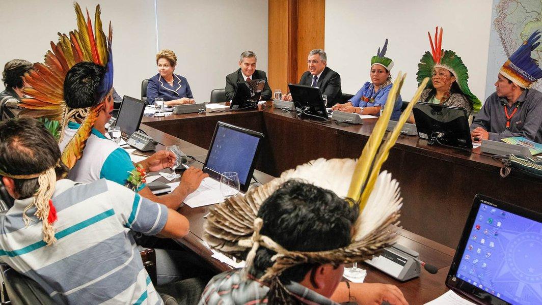 Índios pedem a Dilma demarcação pela Funai