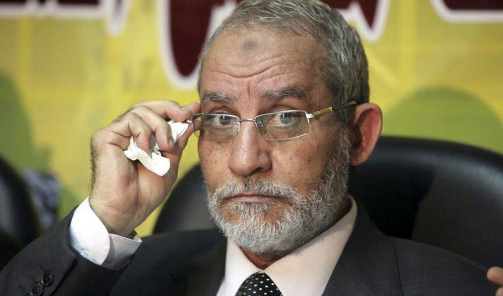 Egito manda prender líder da Irmandade Muçulmana