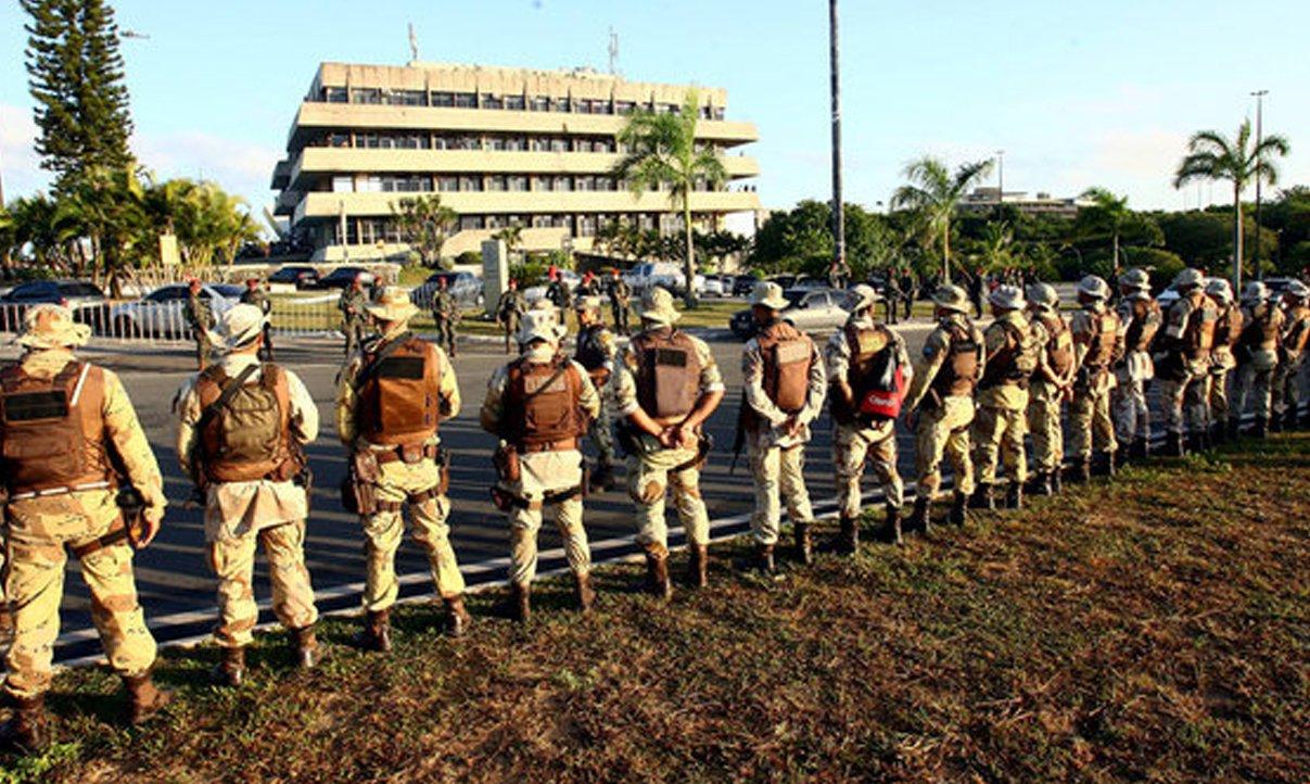 Ampliada anistia a policiais grevistas na Bahia e em mais 17 estados