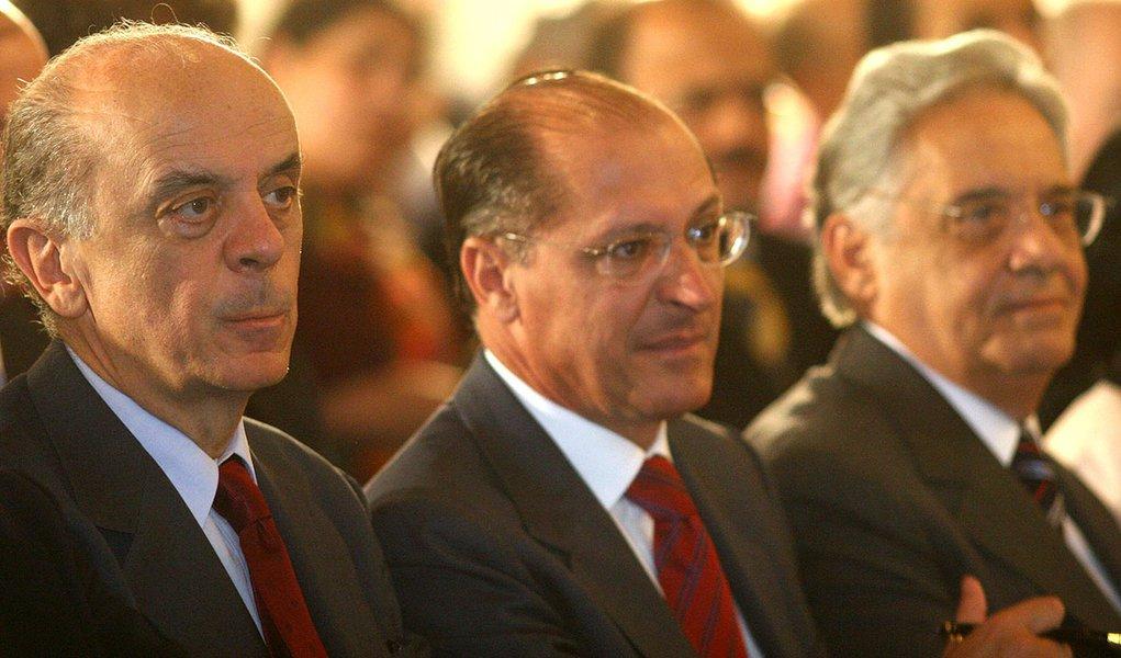 Alckmin vai reduzir número de secretarias