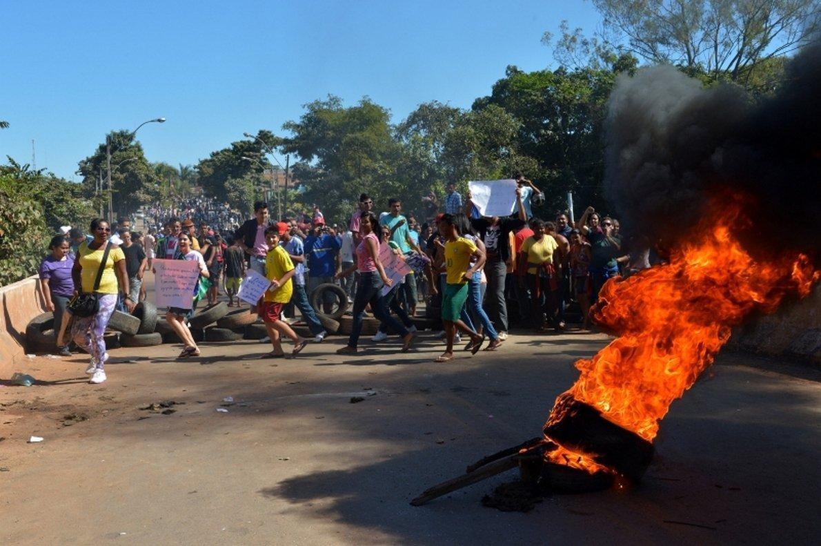 Protesto fecha acessos a cidade do Entorno do DF