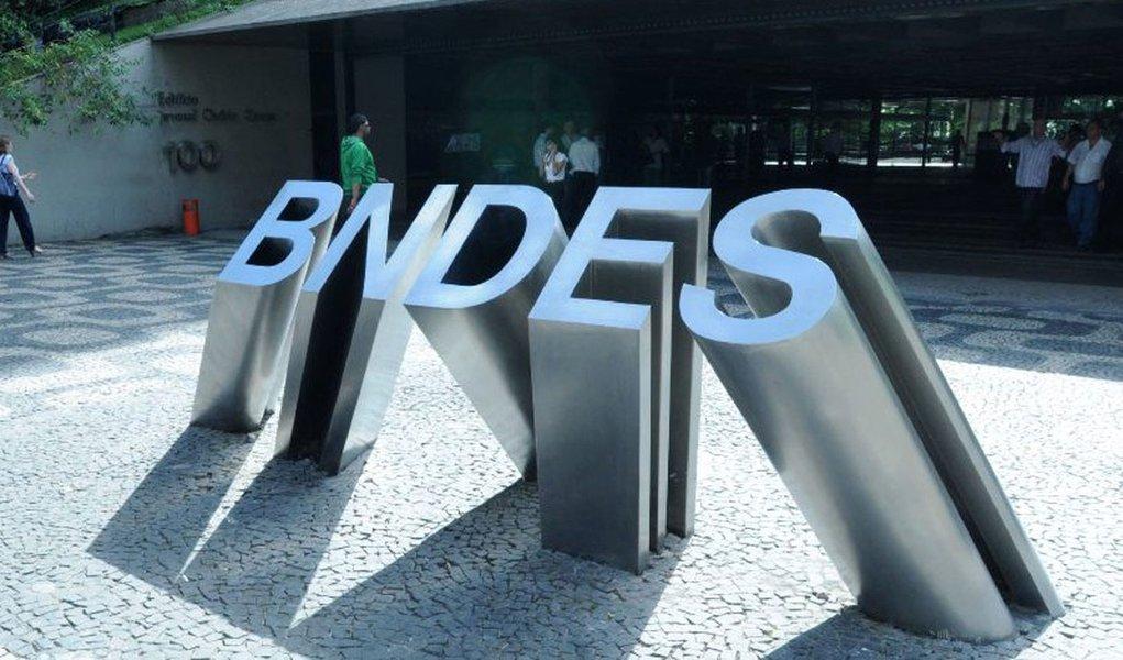 Patrimônio do BNDES recua 38%