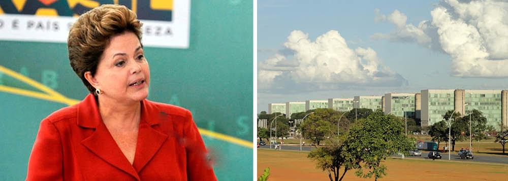 Dilma nega reforma e reafirma pacto de 5 temas