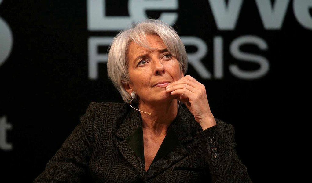 """Lagarde: """"FMI pode cortar previsão do crescimento global"""""""