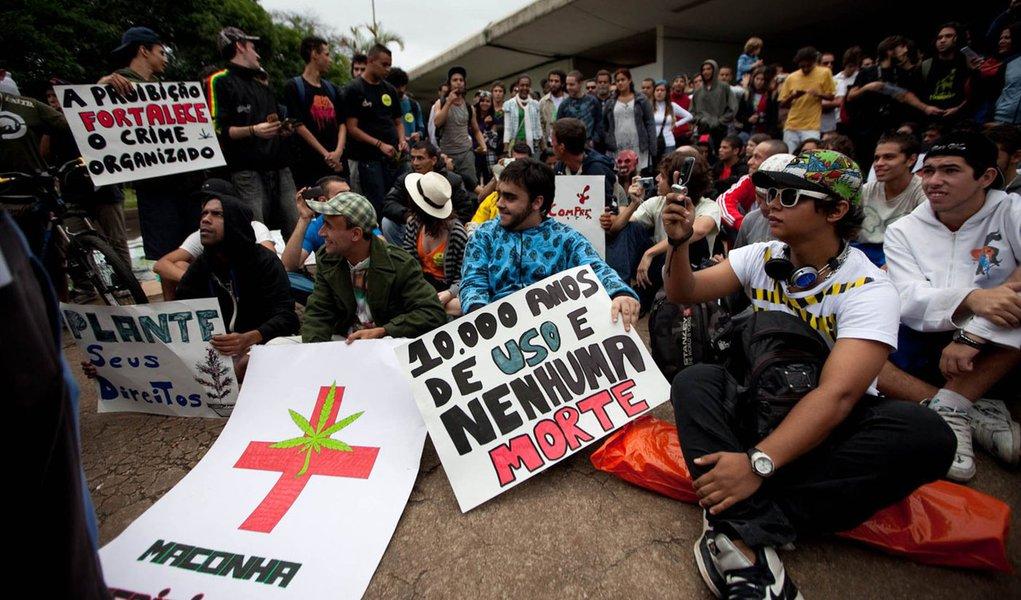 Marcha da Maconha em SP arrecada R$ 15 mil via internet