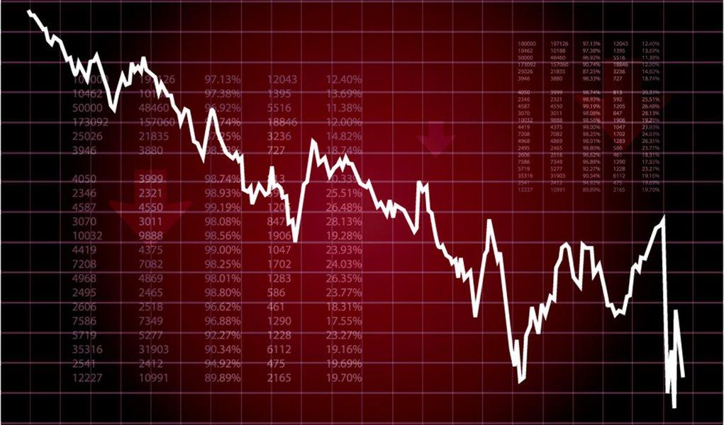 Bovespa cai 1,2% por dólar e companhias brasileiras