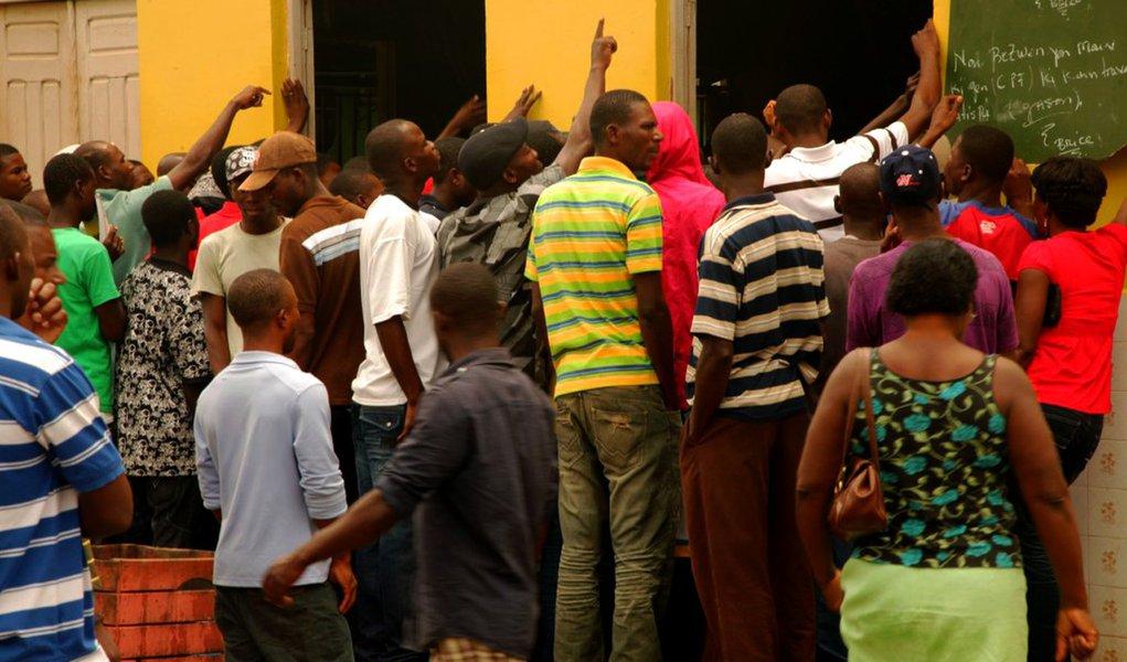 Brasil limita concessão de visto de permanência para haitianos