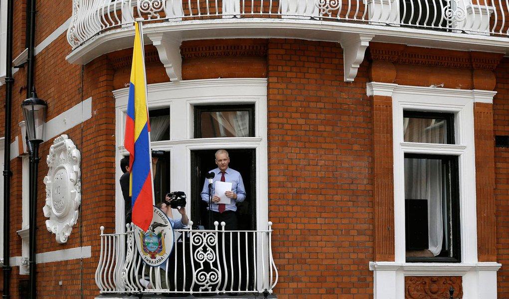 Embaixada do Equador em Londres foi espionada
