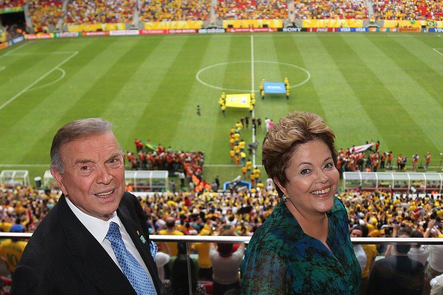 CBF desmente rusgas com Dilma e oferece seleção
