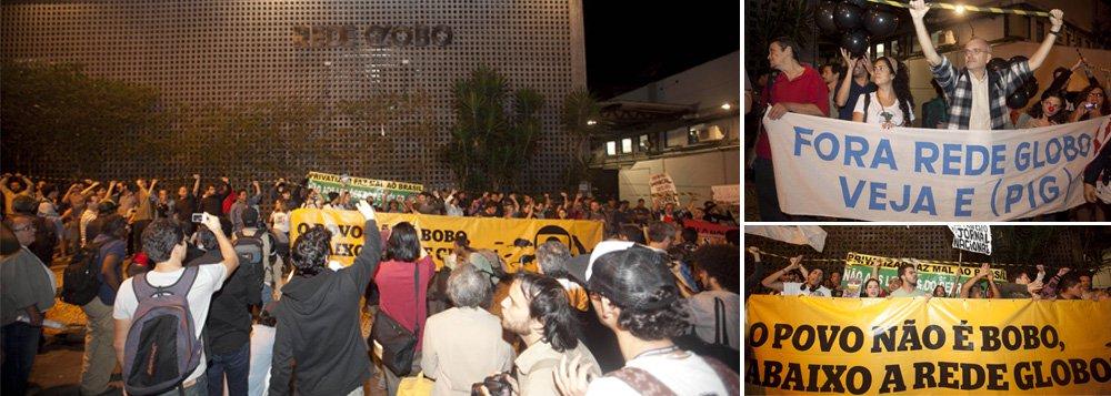Em protesto, manifestantes 'lacram' Rede Globo