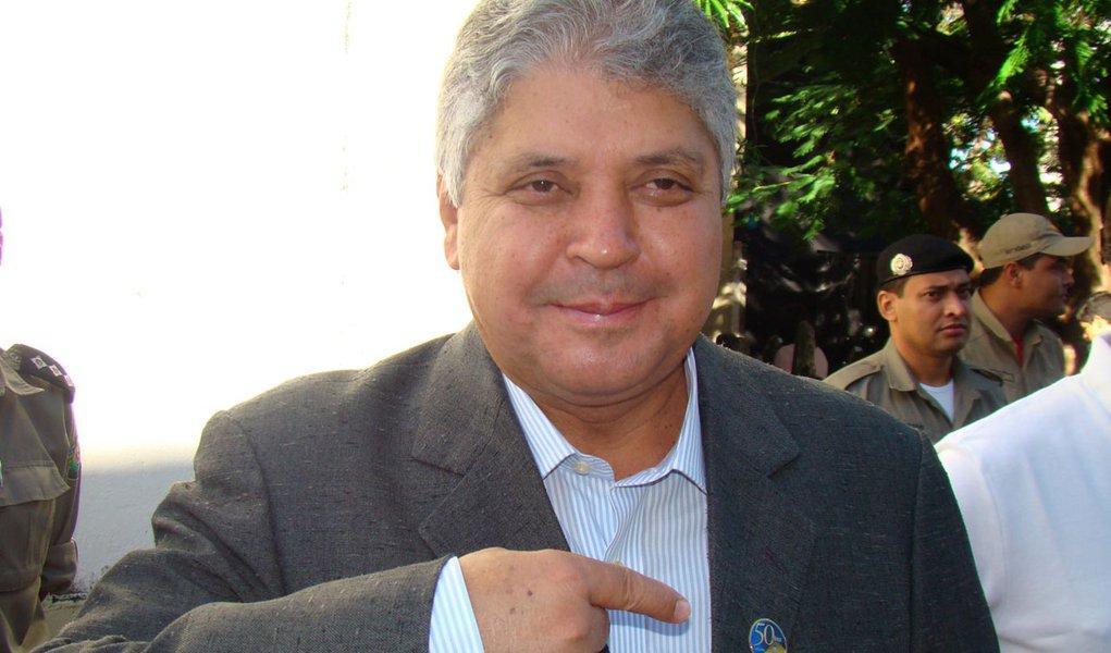 Ex-governador Alcides Rodrigues na mira do MP