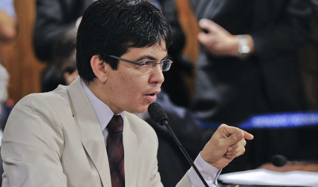 Parlamentares querem ampliar investigações sobre a Delta