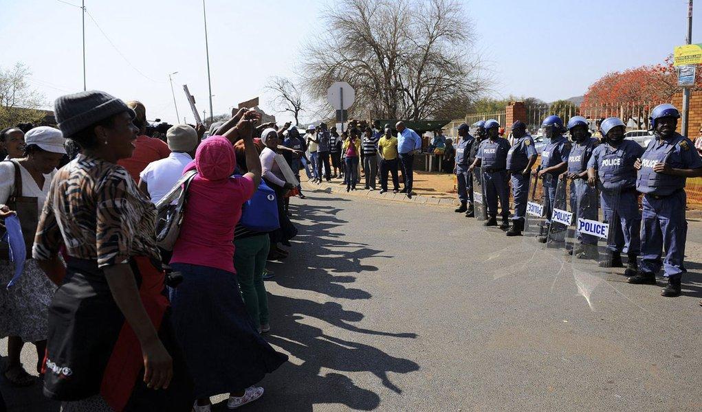 África do Sul: empresa exige que mineiros voltem ao trabalho