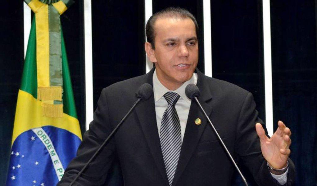 Ao 247, Ataídes Oliveira esclarece relação com Cachoeira