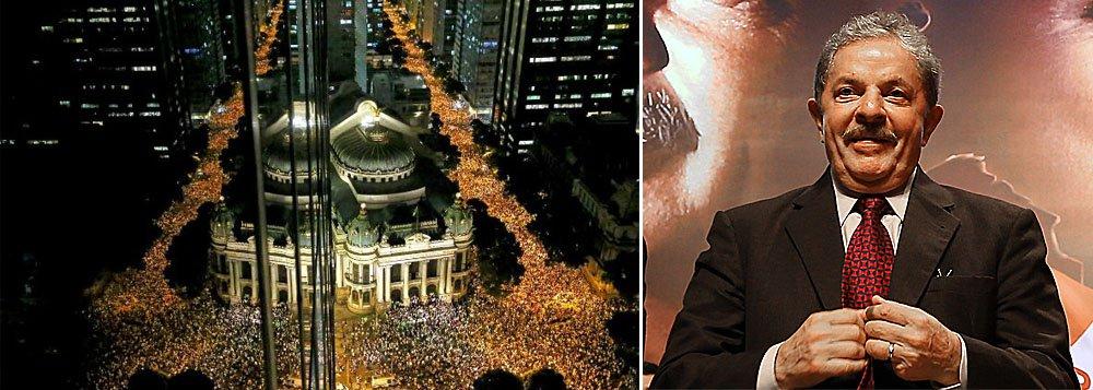 Lula convoca movimentos sociais para ir às ruas