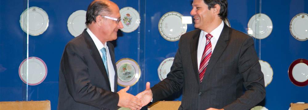 Alckmin e Haddad arquivam diferenças em encontro