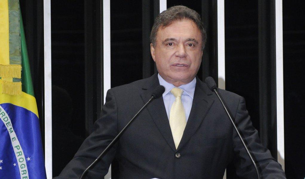 Alvaro Dias: governo assume fracasso ao conceder rodovias