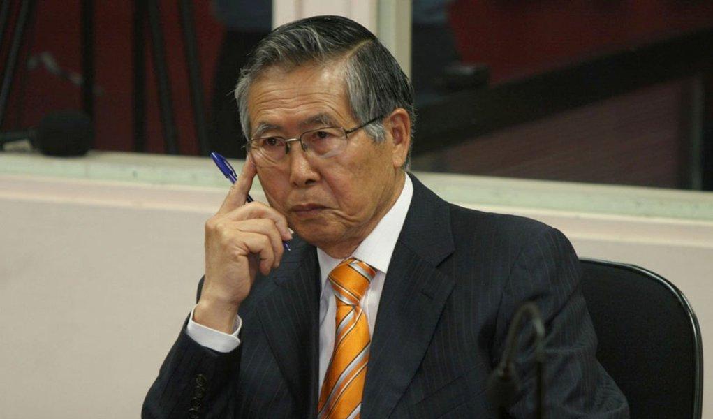 Fujimori é acusado de ordenar esterilização de mulheres