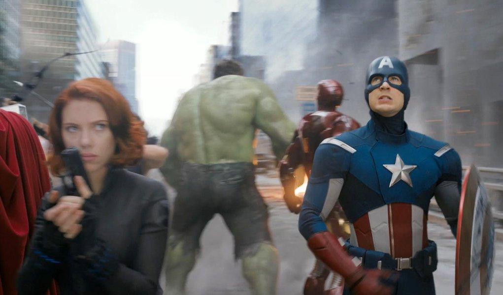 Os Vingadores bate recorde de bilheteria na estreia