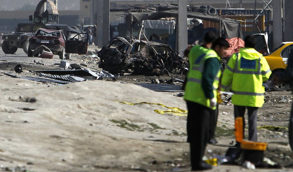 Ataques no Afeganistão matam pelo menos seis pessoas