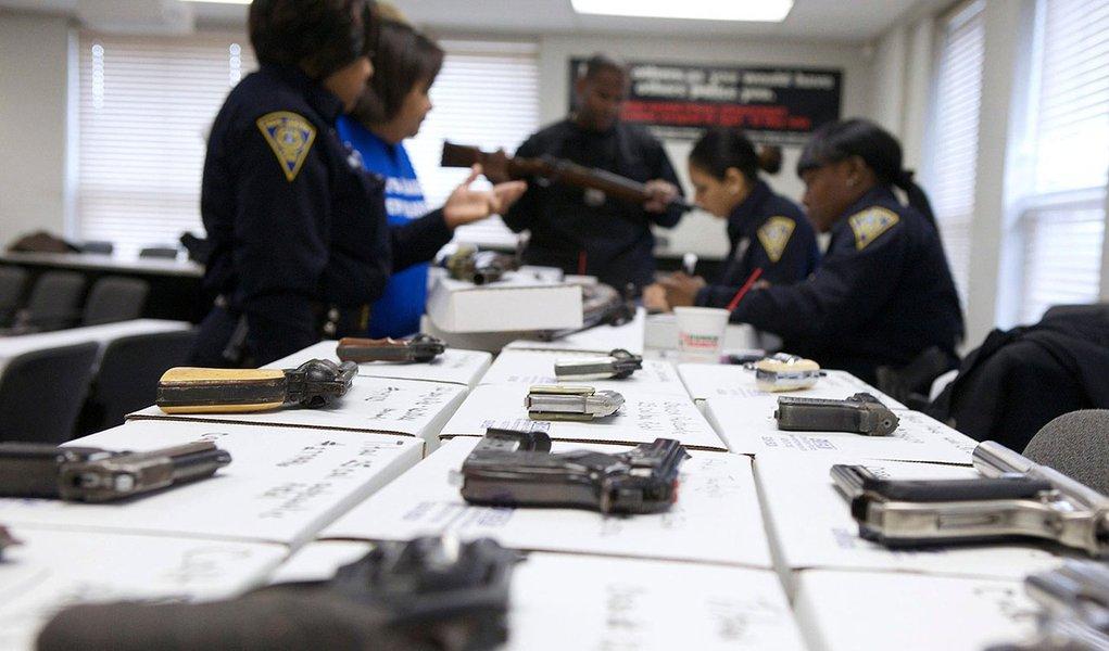 Nova York aprova lei para restringir posse de armas