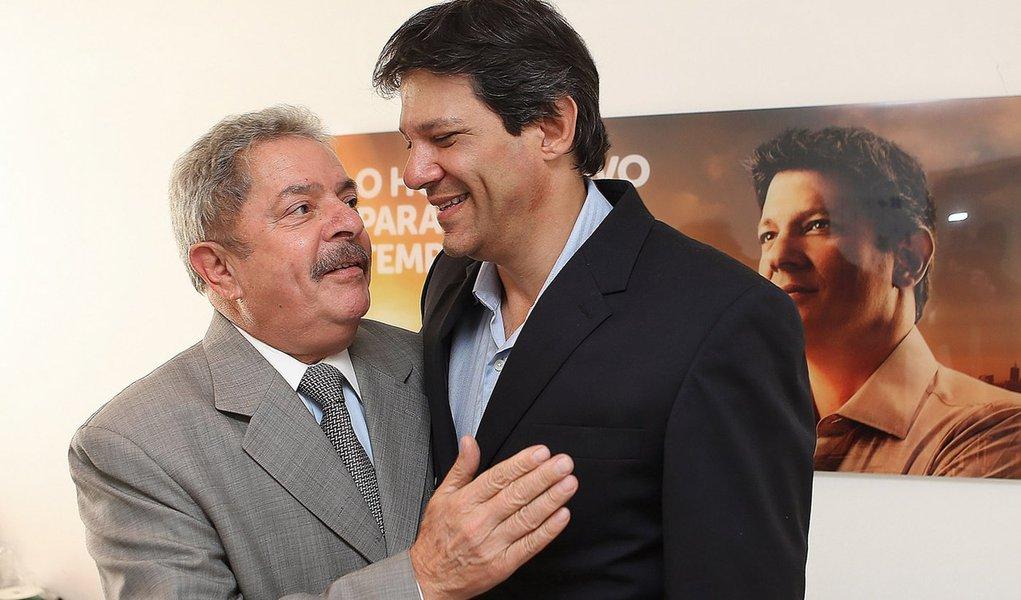 Haddad recebe seu maior conselheiro e eleitor: Lula