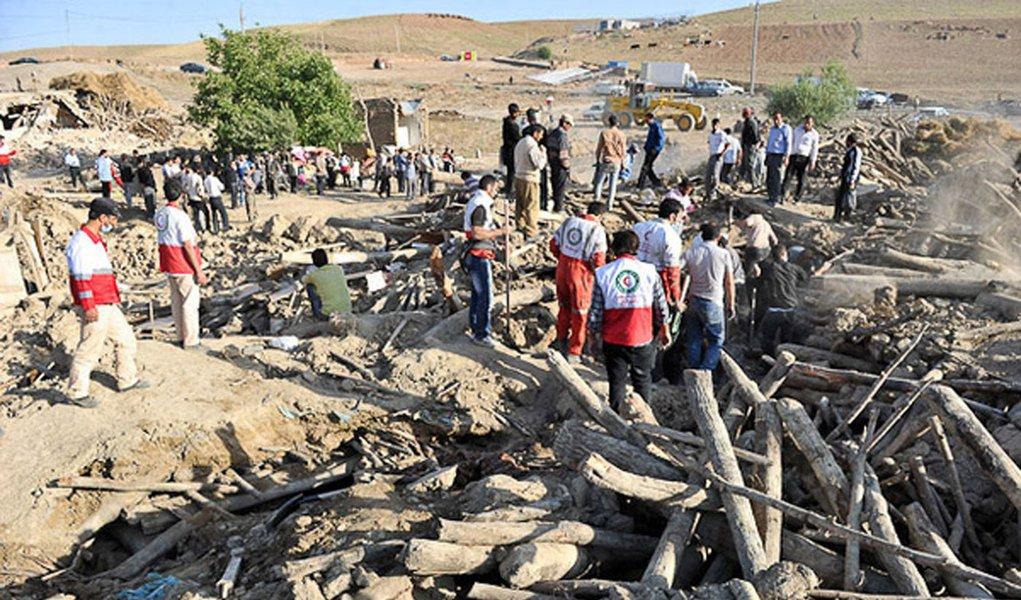Irã: prejuízos com terremotos podem chegar a US$ 400 mi