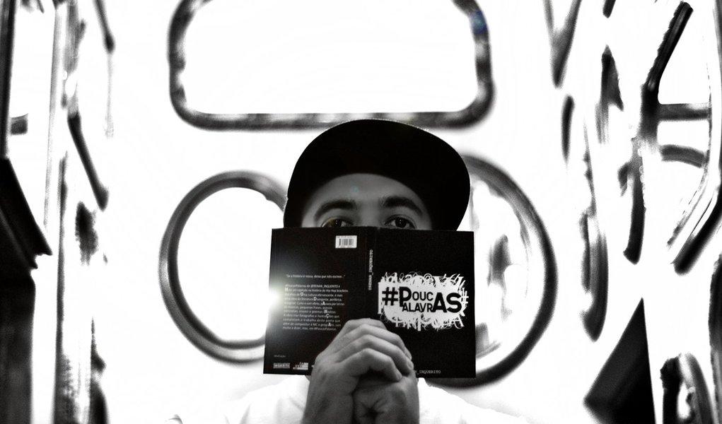 Rap no som, na tela e na estante