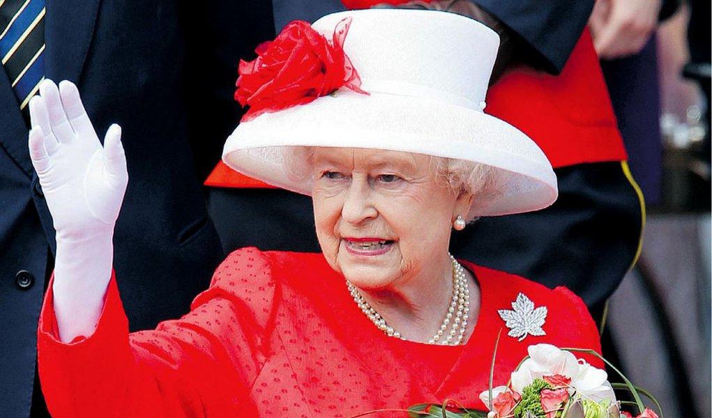 Rainha ficará sem iate este ano