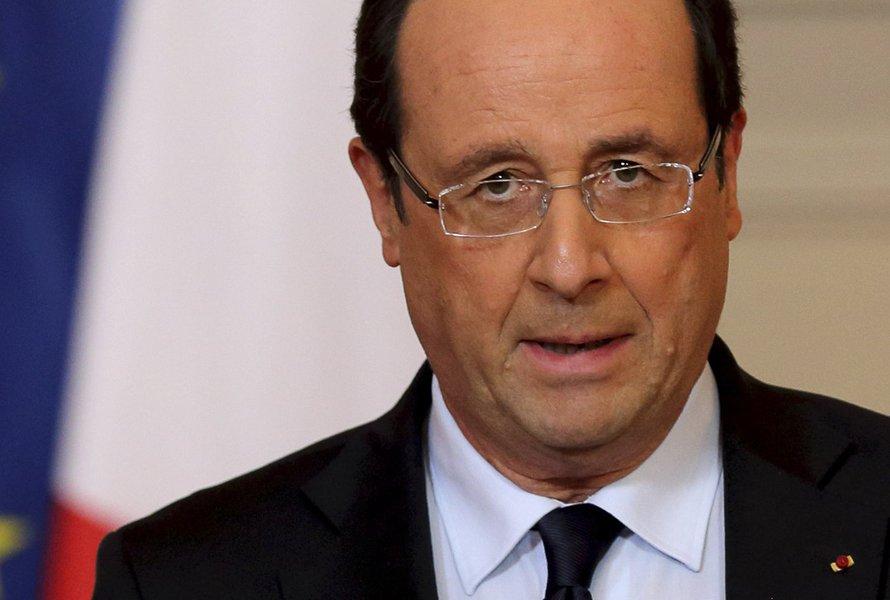 França mantém operação no Mali; 100 morrem