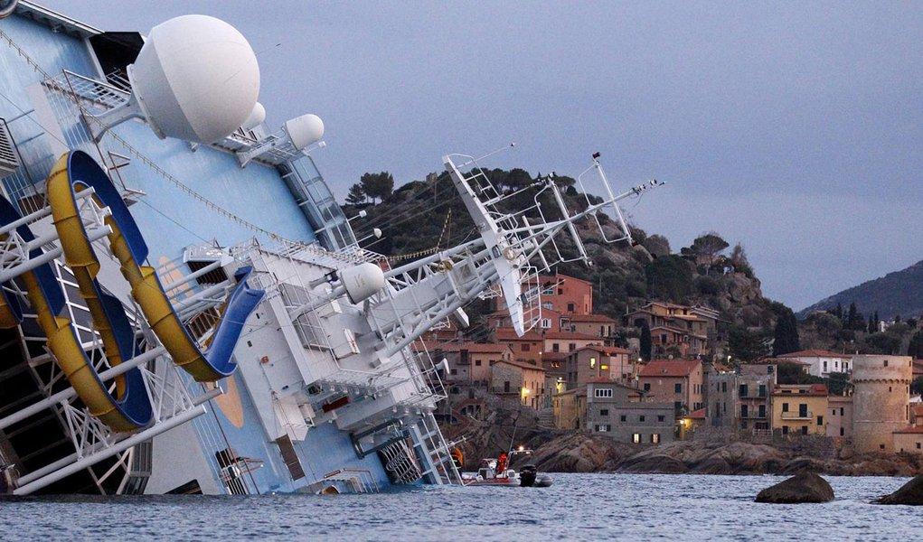 Do Titanic ao Costa, navios têm evacuação imperfeita