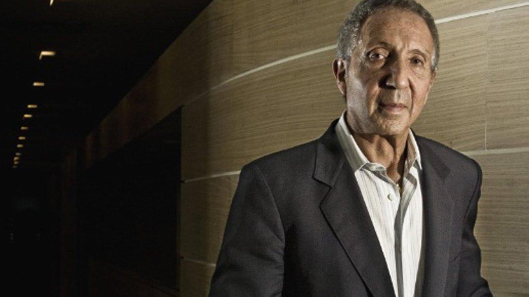 Abílio Diniz vende R$ 1,5 bi em ações do Pão de Açúcar