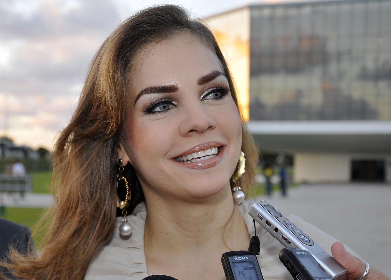 A esfuziante primeira-dama da Paraíba