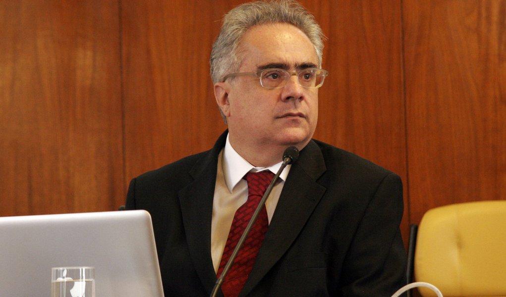 Nassif critica comunicação do governo Dilma