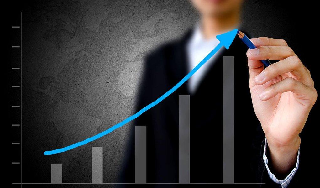 Diretor do Ipea prevê alta de até 4% do PIB em 2012