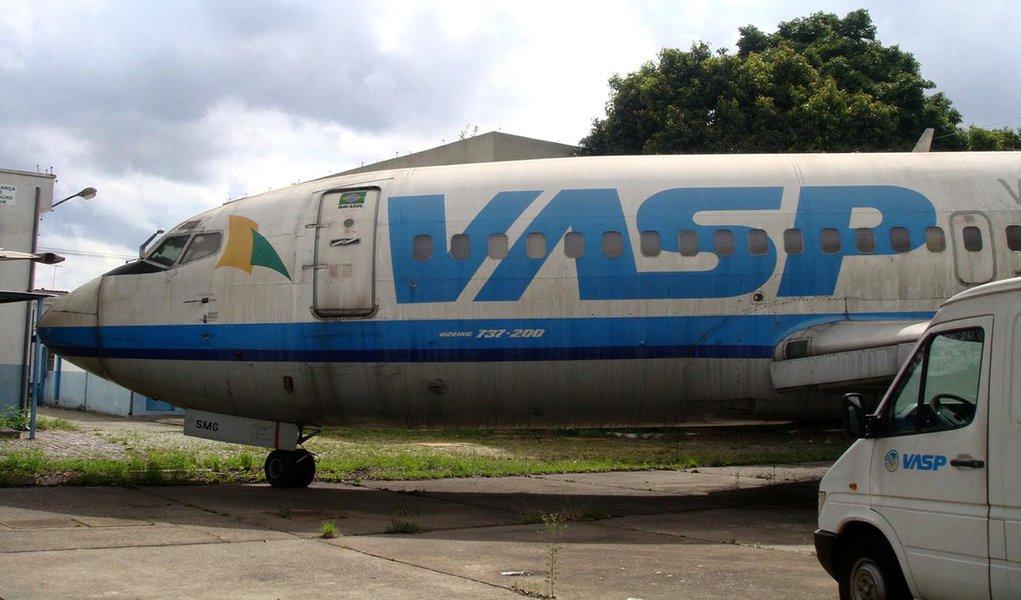 Boeing 737-200 da Vasp será leiloado