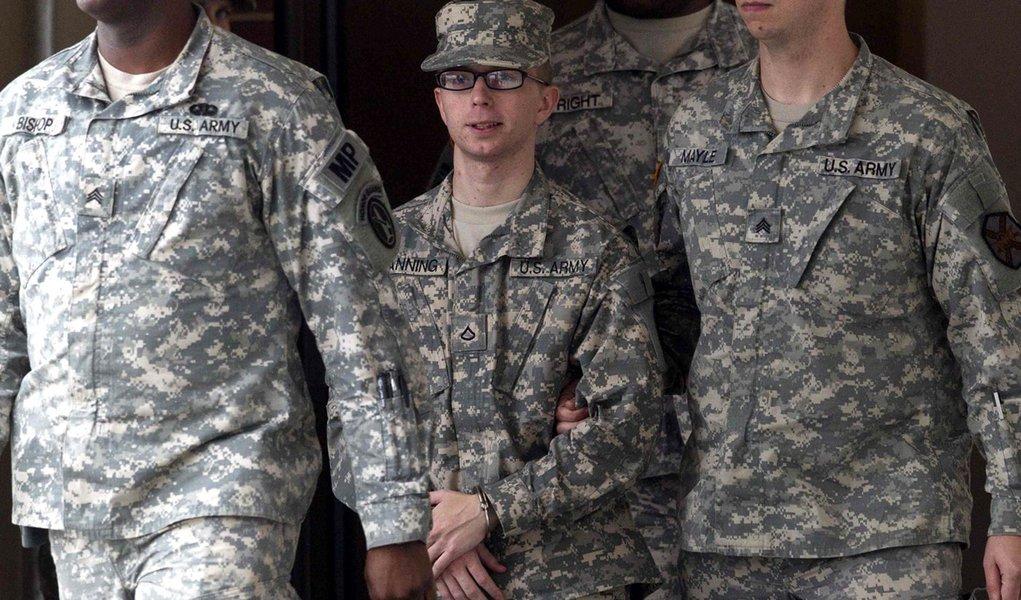 EUA recomendam corte militar a soldado informante do WikiLeaks